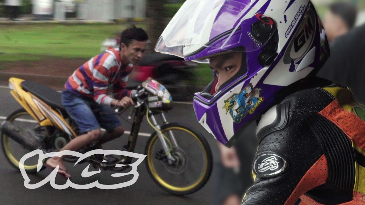 The Indonesian Teenagers Competing in Illegal Drag Races
