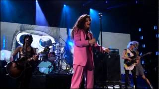 Lorde Covers All Apologies with Nirvana
