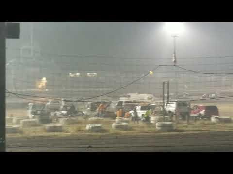 Southern Oregon Speedway 9-3-2017 Sport mod 8 lap scramble