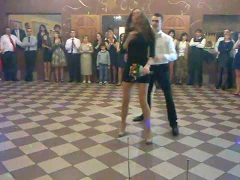 wesele 02-02-2013 oczepiny- taniec pary która złapała muszkę i welon