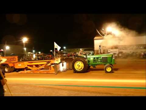 Mt. Hope Vintage Tractor Pull - August 2016 - 2 Shades of Green + Others