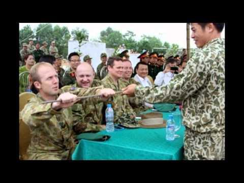 Đặc công Việt Nam trình diễn nội công thượng thừa