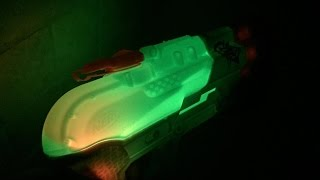 Review: Zombie Strike Splatter Blast Super Soaker (Glowing Nerf Water Gun)