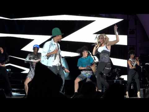 Pharrell Williams w/Gwen Stefani ~ Hollaback Girl ~ Hollywood Bowl ~ 5/13/14