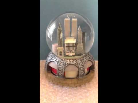 NYC TWIN TOWERS SNOW GLOBE