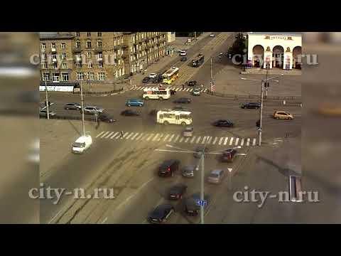 Автоледи сбила парней в Новокузнецке