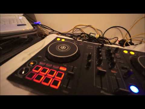 PIONEER DDJ-400 CONTROLLER FOR THE BEDROOM DJ OR IS IT?