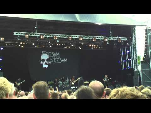 flotsam and jetsam at into the grave 2014 - Escape from within