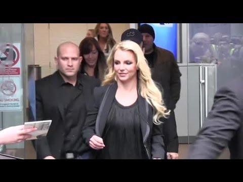 Britney Spears Cuts a Stylish Figure in London - Splash News | Splash News TV | Splash News TV