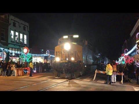 Street Running Train Interrupts Santa Light Up LaGrange 2019 !