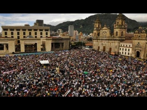 Thousands Call for Peace in Colombia