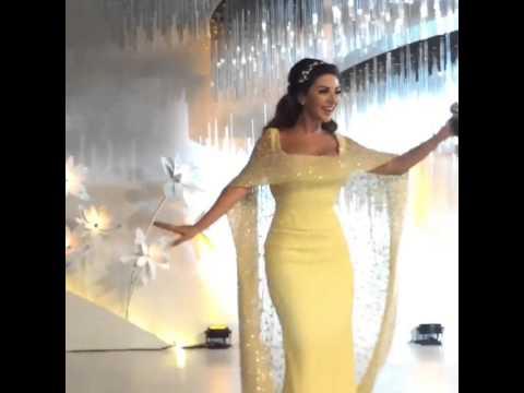 ميريام فارس تنافس عروساً قطرية بفستان أبيض أنيق