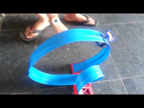 Hot wheels magnetic track !