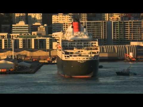 Berthing Queen Mary 2 in Auckland