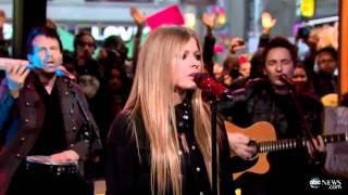 Avril Lavigne - Wish You Were Here (GMA 22/11/2011)
