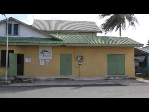 Tuvalu Funafuti Abords de l'aéroport / Tuvalu Funafuti Airport around