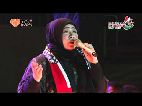 Performance Melly Goeslaw dan Irwansyah-Zaskia Sungkar @ Palestine Solidarity Day 2015