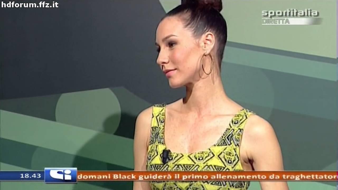 GIORGIA CRIVELLO VESTITINO CORTO DA SEGA FURIOSA - YouTube