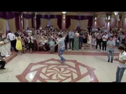 Армяне танцуют лезгинку, Арцвапар-