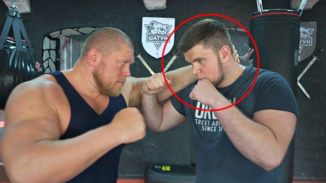 Макс vs русский школьник! Бой