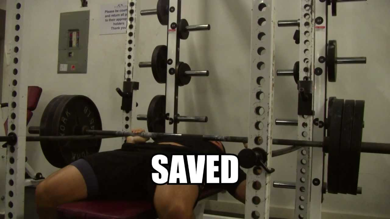 how to bench press heavy alone safely and not die bench press in power rack