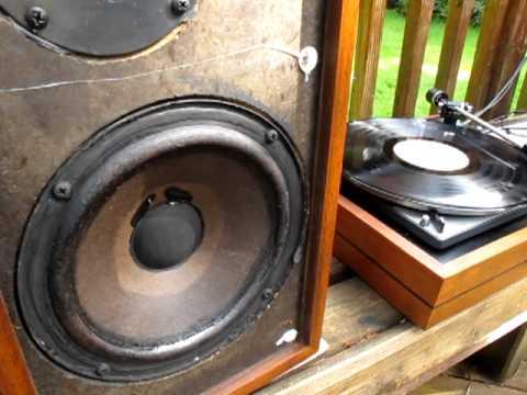 Crown Audio Stuff Dual 1209 Turntable AR 4x Speakers Demo