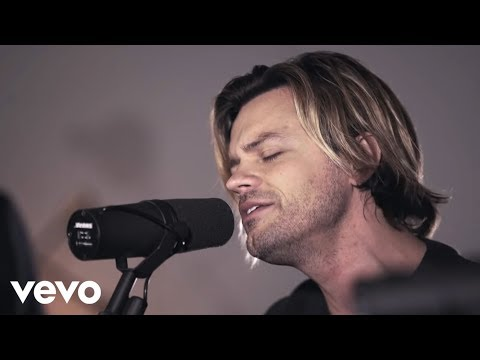 Passion - Build My Life (Acoustic) ft. Brett Younker