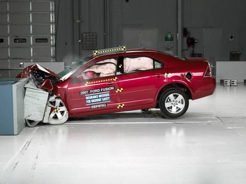 2007 ford fusion moderate overlap iihs crash test youtube. Black Bedroom Furniture Sets. Home Design Ideas