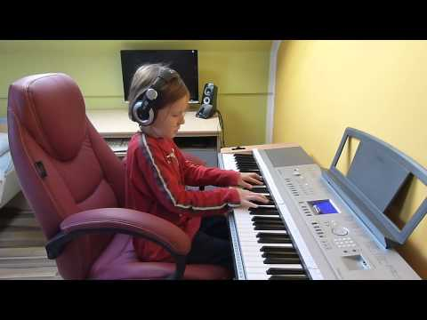 Adele-someone like you( yamaha dgx 640-rene playing)