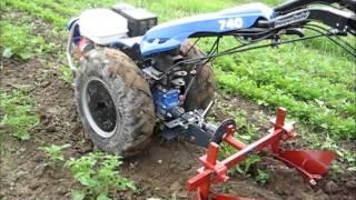 Ciągnik jednoosiowy BCS z obsypnikiem dwurzędowym - uprawa ziemniaków