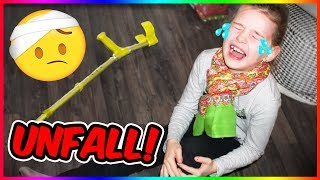 BEIN GEBROCHEN?!😨  Lulu PRANKT Mama! Lulu & Leon - Family and Fun