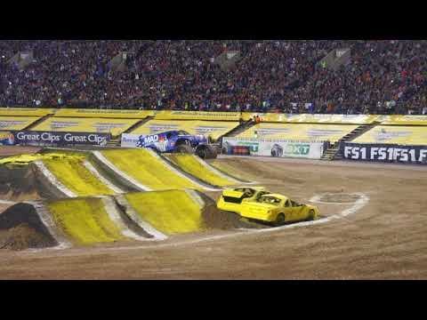 Monster Jam El Paso show 1 2018 - Two Wheel Skills Competition
