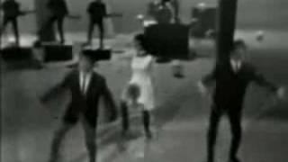 Freddie & the Dreamers - Tiger Feet