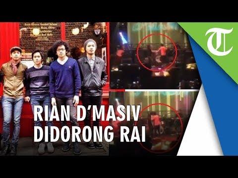 Rian D'Masiv Didorong Rai Sang Bassist Saat Manggung