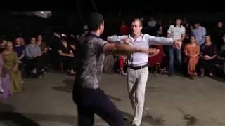 супер танец Лезгинка.Свадьба в Дагестане-село Калук