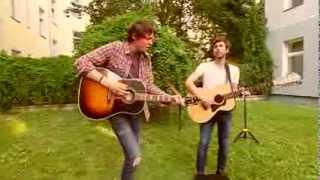Martin and James - Wrong Directions ♫ Backyard Acoustics