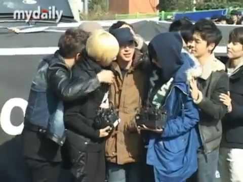 [MyDaily] 121030 Super Junior at Leeteuk's Enlistment