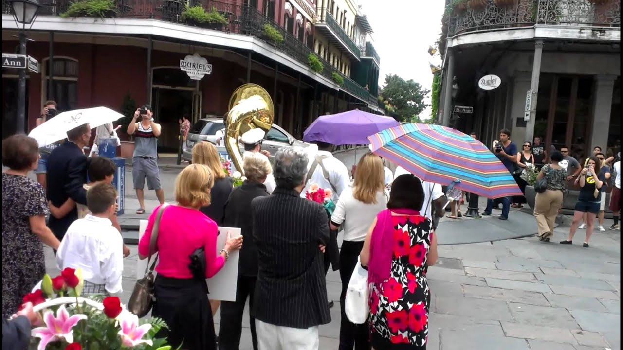 New Orleans Funeral Parade Youtube