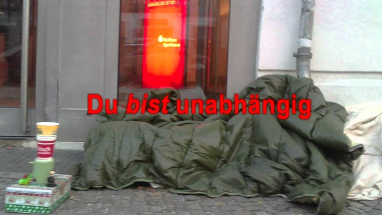 Berliner Ghetto Bitch vollgespritzt und drüber gepisst