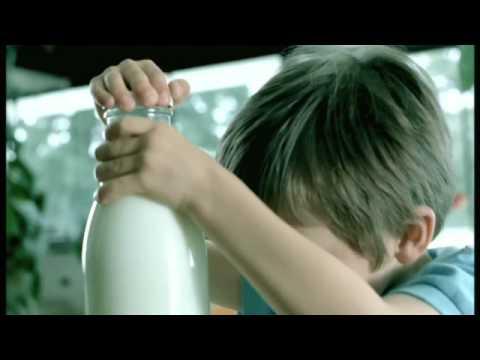 Bank Austria: Milchflasche