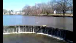 Boat goes over Niagra Falls
