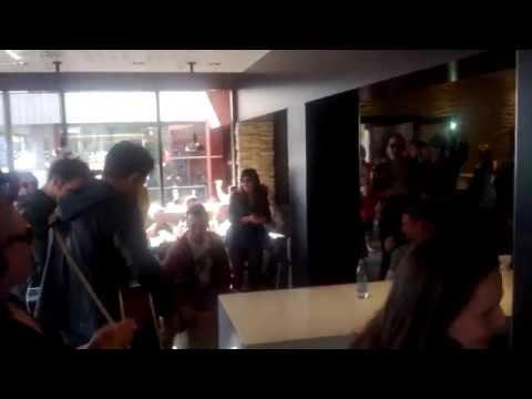 Musicaliber Showkor flashmobber Mcdonalds i Nørresundby