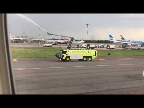 Bautismo vuelo de United desde Nueva York en Ezeiza