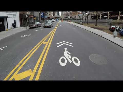 Riding a Citi Bike from Long Island City, Queens through Manhattan to Brooklyn Heights, Brooklyn
