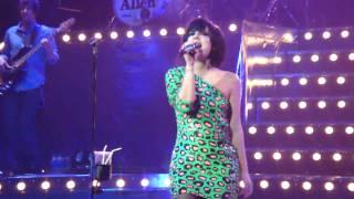 Lily Allen - Knock 'Em Out