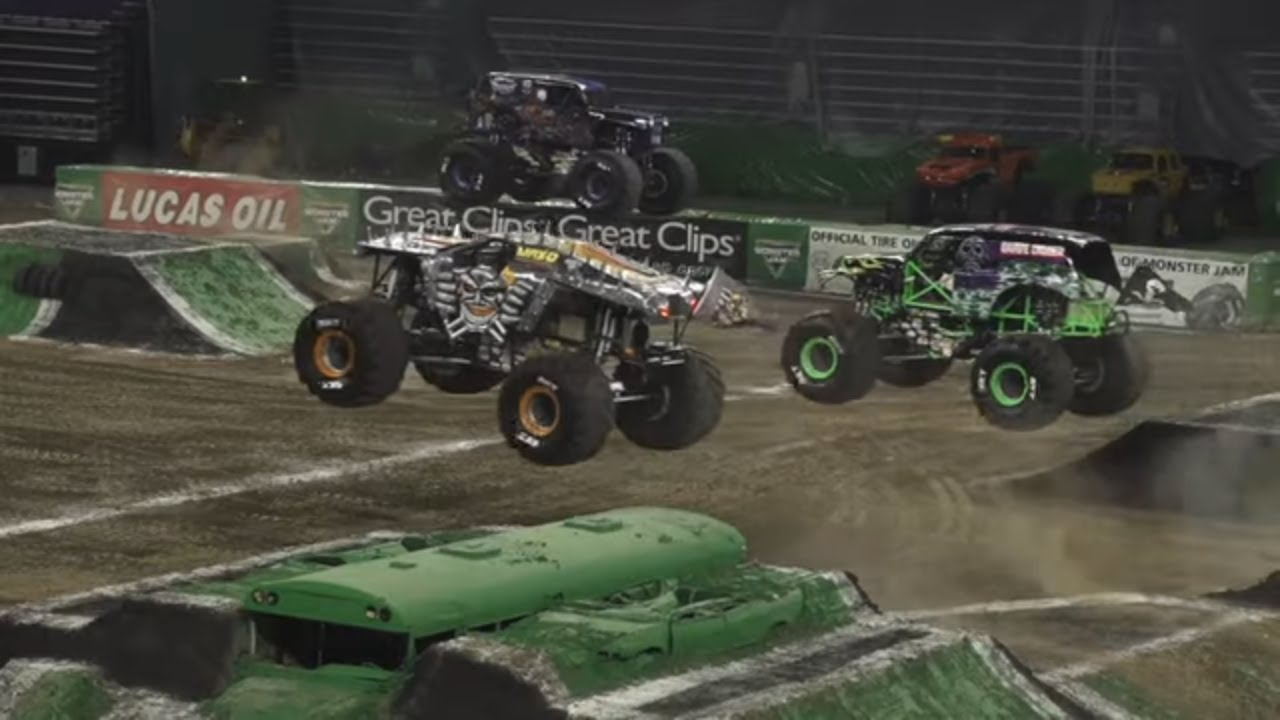 Minneapolis, MN Highlights | Monster Jam 2018