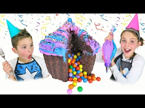 How To Make Giant Surprise Cupcake Cake With Rainbow