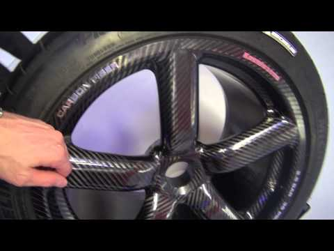 Carbon Fibre wheel of Koenigsegg Agera S: state of the art technology for the street