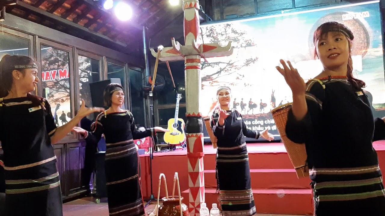 Bài ca Quê Hương hát hay như Y Moan| Dân ca Ê Đê| Hát tại khu du lịch Kotam | sáng tác Quang Dũng