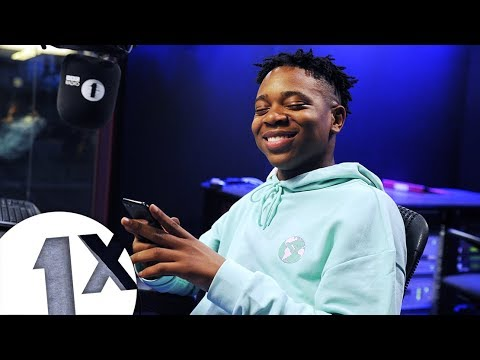 EO pranks his Mum with Charlie Sloth  -